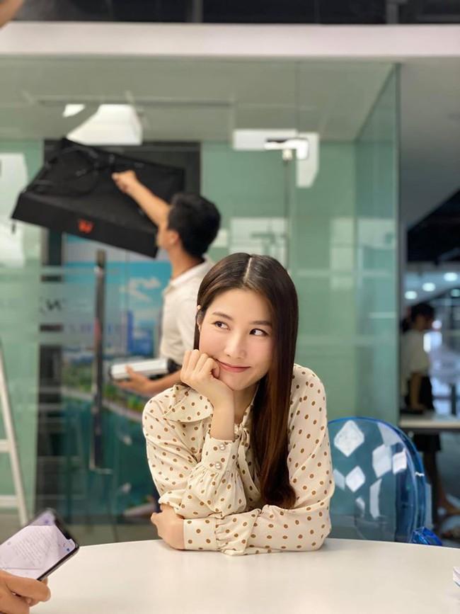 Tình yêu và tham vọng: Dân mạng phát sốt với tấm ảnh được cho là kết phim đẹp nhất, Linh - Minh - bà Khuê trở thành người một nhà - Ảnh 4.
