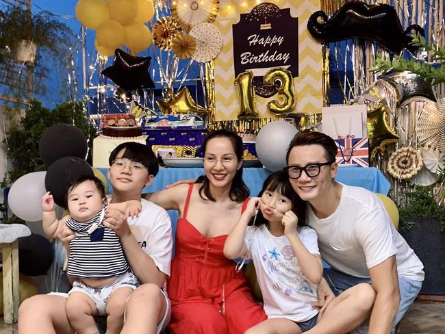 Vợ chồng Hoàng Bách tổ chức sinh nhật cho con trai lớn.