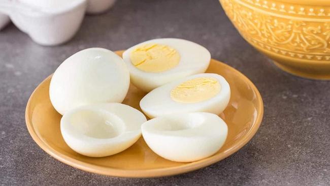 Chị em tích cực ăn 10 loại thực phẩm giúp tăng sinh collagen dưới đây thì da cứ ngày càng mọng mướt, trẻ mãi không già - Ảnh 3.