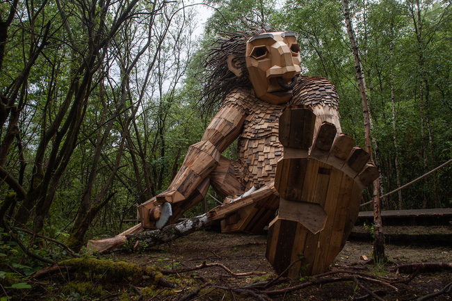 seven-trolls-outdoor-sculptures-thomas-dambo-2-15944599731171212321989.jpg