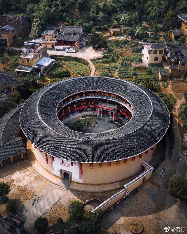 """Mãn nhãn với """"hóa thạch sống"""" của kiến trúc cổ Trung Hoa: Khu chung cư đất nung lớn nhất thế giới, là một kiệt tác sáng tạo của văn hóa xưa - Ảnh 2."""