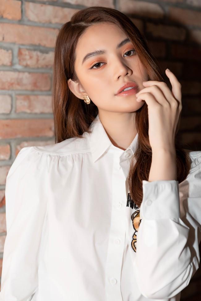 Gần đây Jolie Nguyễn đóng vai rich kid, mặc toàn đồ hiệu sang chảnh và đố khán giả đếm số trang phục mình mặc  - Ảnh 3.