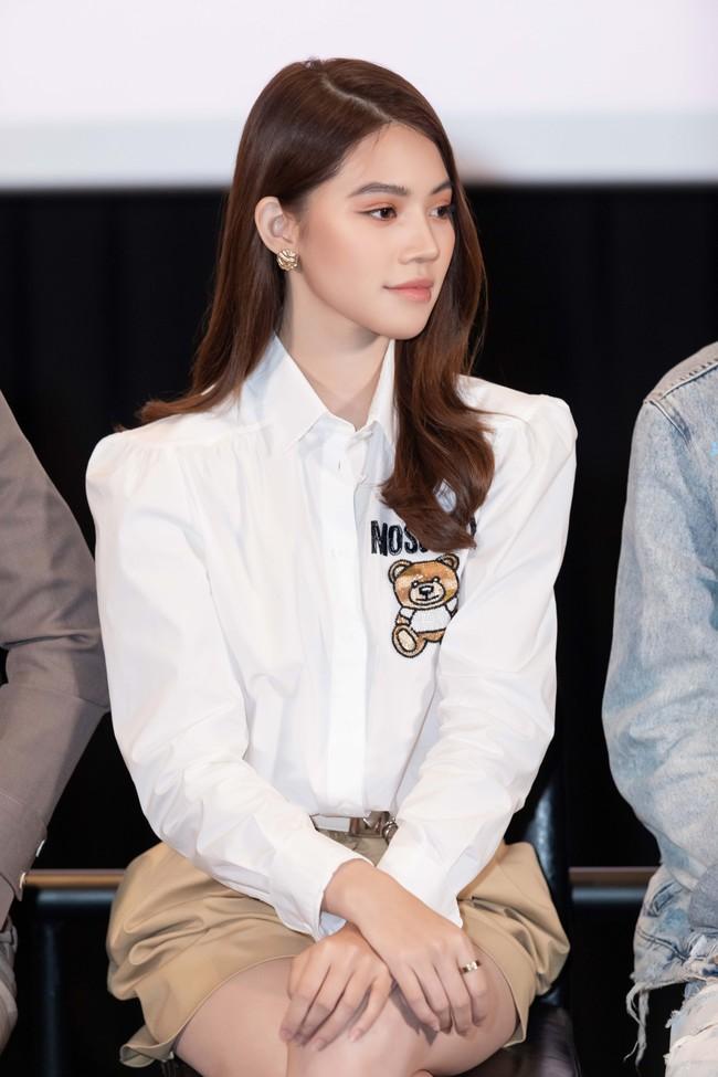 Gần đây Jolie Nguyễn đóng vai rich kid, mặc toàn đồ hiệu sang chảnh và đố khán giả đếm số trang phục mình mặc  - Ảnh 2.