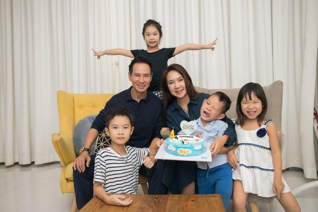 Có 4 mặt con, vợ chồng Lý Hải - Minh Hà vẫn khoe ảnh ngọt ngào như ngày mới yêu - Ảnh 3.