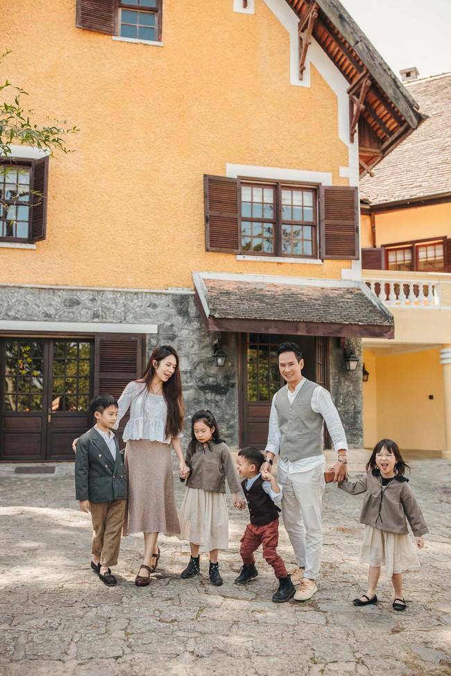 Có 4 mặt con, vợ chồng Lý Hải - Minh Hà vẫn khoe ảnh ngọt ngào như ngày mới yêu - Ảnh 6.