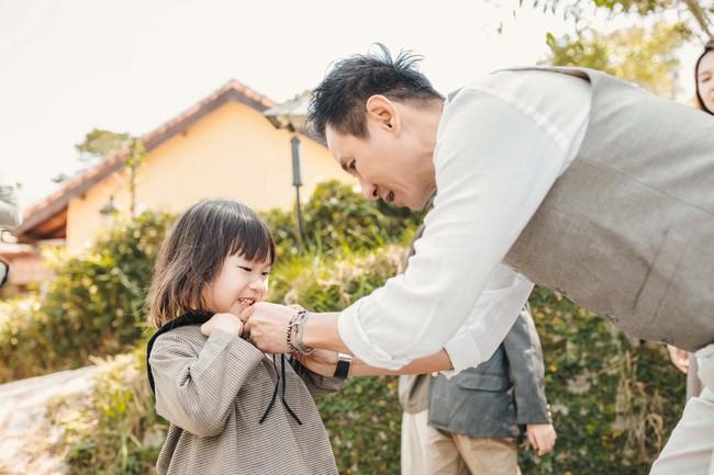 Có 4 mặt con, vợ chồng Lý Hải - Minh Hà vẫn khoe ảnh ngọt ngào như ngày mới yêu - Ảnh 5.