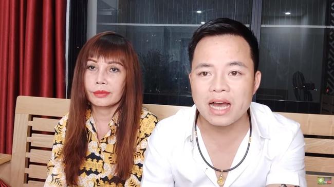 Cô dâu 63 tuổi ở Cao Bằng chính thức tháo băng sau 20 ngày phẫu thuật, khuôn mặt khiến ai nhìn cũng không thốt nên lời - Ảnh 2.