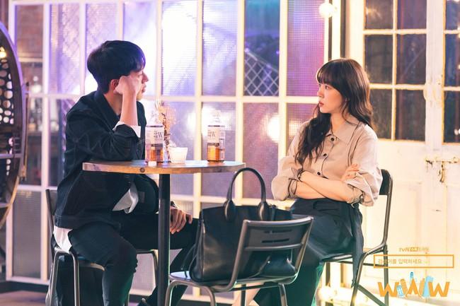 Không chỉ để ngắm, loạt công thức diện áo sơ mi trong phim Hàn còn rất dễ áp dụng và cam đoan sẽ đẹp xinh thanh lịch hết cỡ - Ảnh 13.