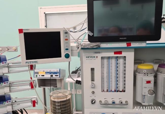 Xúc động từng khoảnh khắc ca phẫu thuật tách rời hai bé dính nhau: Nhừng đường rạch da cân não từ 5 ekip bác sĩ - Ảnh 3.