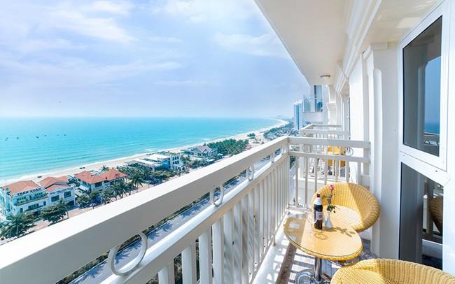 """Pha mua phòng khách sạn """"đi vào lòng người"""": Đặt căn view biển giá hợp lý nhưng gặp ngay cô bán tour tiết kiệm cho ngắm đại dương theo kiểu """"lọt khe"""" - Ảnh 2."""