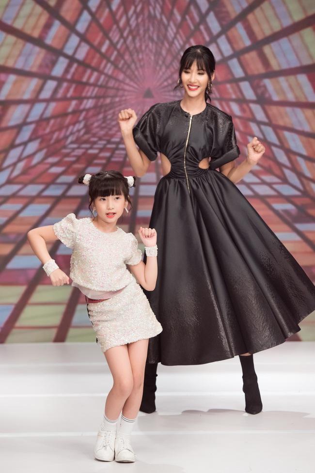 """Á hậu Hoàng Thùy xuất hiện ấn tượng khiến Vân Trang vô tình bị """"dìm hàng"""" với màu tím bắt trend nhưng quê kiểng - Ảnh 10."""