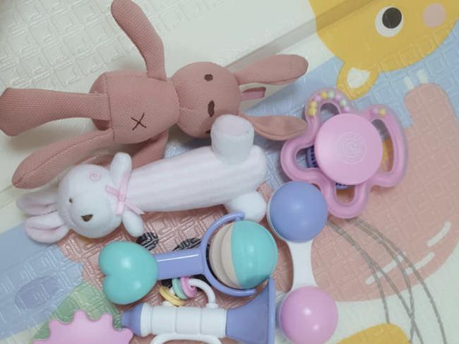 Thông tin mới nhất về cặp song sinh Trúc Nhi - Diệu Nhi: Mẹ đã rửa đồ chơi sẵn chờ con dậy - Ảnh 2.