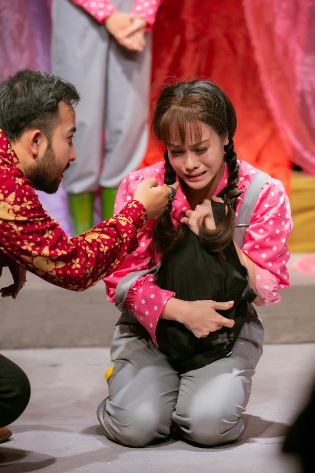 Đóng vai thiếu nữ nhẹ dạ cả tin, Nhật Kim Anh nhắn nhủ lời cảnh tỉnh cho các cô gái trẻ - Ảnh 1.