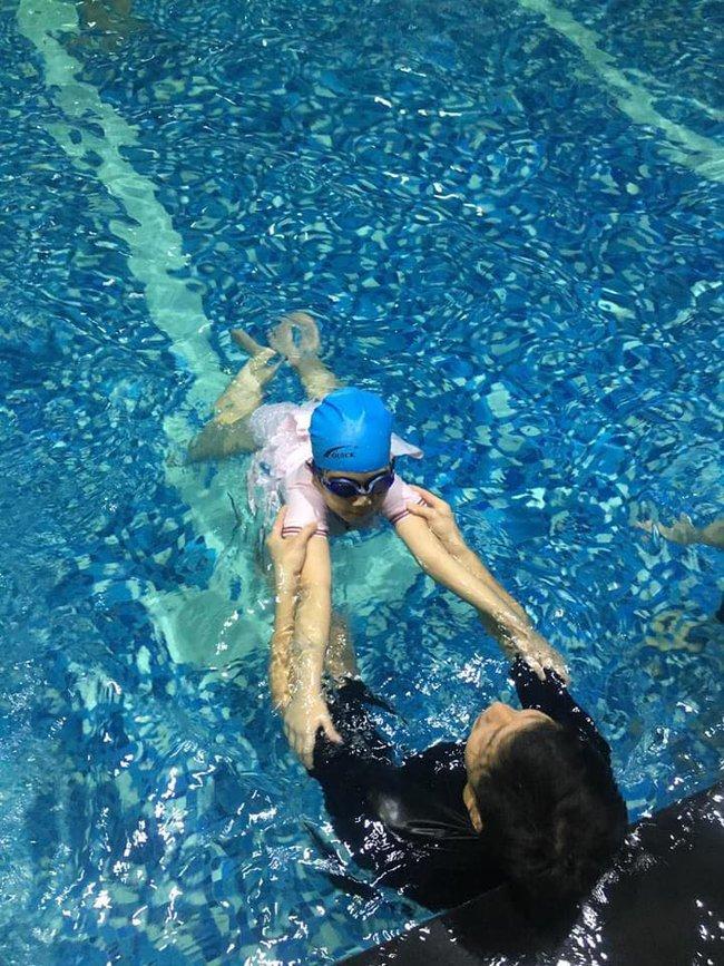 Top 5 địa chỉ dạy bơi uy tín ở Hà Nội - Ảnh 1.