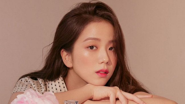 Top mỹ nhân Hàn Quốc có tầm ảnh hưởng nhất trên mạng xã hội Trung Quốc: Vụ ly hôn với Song Joong Ki cũng không giúp Song Hye Kyo vượt qua đàn em này - Ảnh 4.