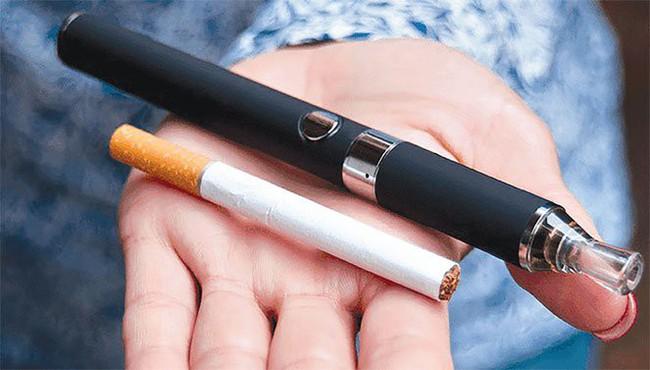 Đề xuất cấm sử dụng thuốc lá điện tử, thuốc lá làm nóng, shisha - Ảnh 1.