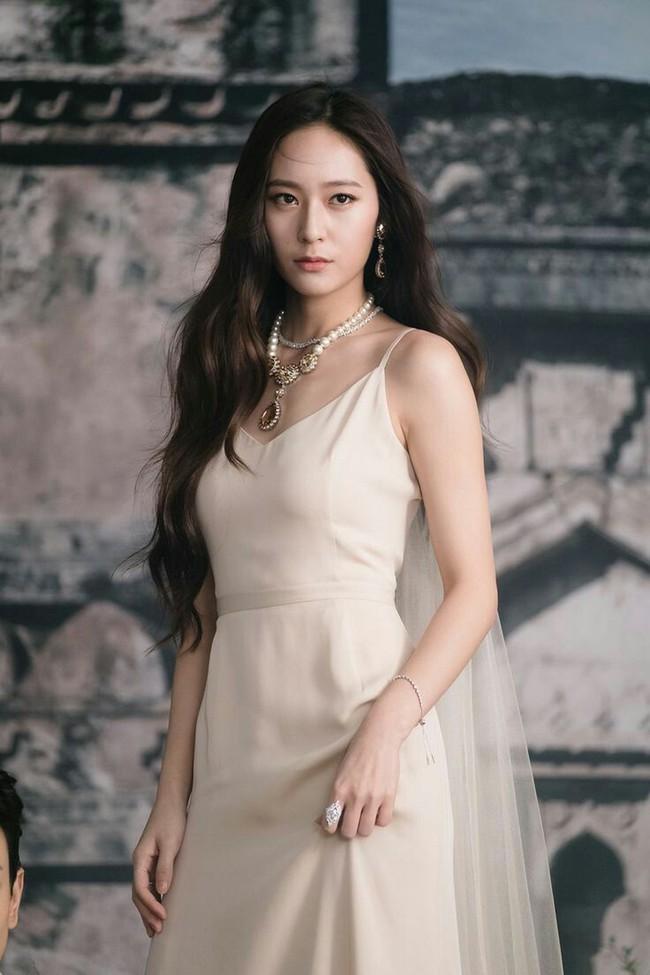 Top mỹ nhân Hàn Quốc có tầm ảnh hưởng nhất trên mạng xã hội Trung Quốc: Vụ ly hôn với Song Joong Ki cũng không giúp Song Hye Kyo vượt qua đàn em này - Ảnh 9.
