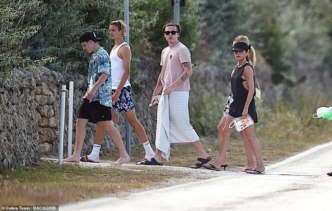 """Không chỉ tặng quà cưới """"khủng"""", vợ chồng Beckham còn đối xử với con dâu tỷ phú thế này đây - Ảnh 3."""