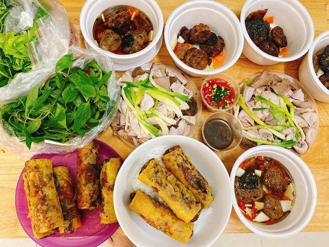 Con dâu tỷ phú Hoàng Kiều ở siêu biệt thự, đi du lịch bằng chuyên cơ nhưng về nhà vẫn là người vợ đảm, nấu đồ ăn Việt cho cả nhà - Ảnh 5.