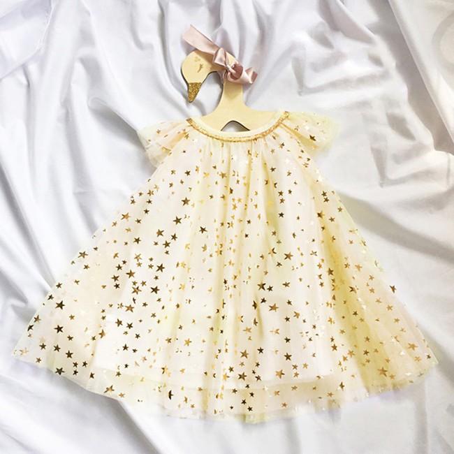 Mẹ hãy đặc biệt tránh 3 loại quần áo này khi mua cho trẻ, nếu không muốn rước ung thư vào người - Ảnh 1.