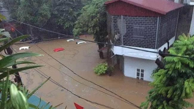 Hà Giang: Mưa lớn gây sạt lở đất khiến 2 mẹ con tử vong thương tâm - Ảnh 2.
