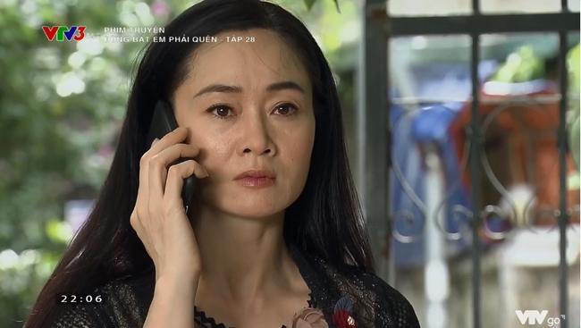 """""""Đừng bắt em phải quên"""": Bật khóc cảnh Ngọc oán trách bố Luân chuyện phản bội mẹ để lên giường với Linh """"tiểu tam"""" - Ảnh 5."""