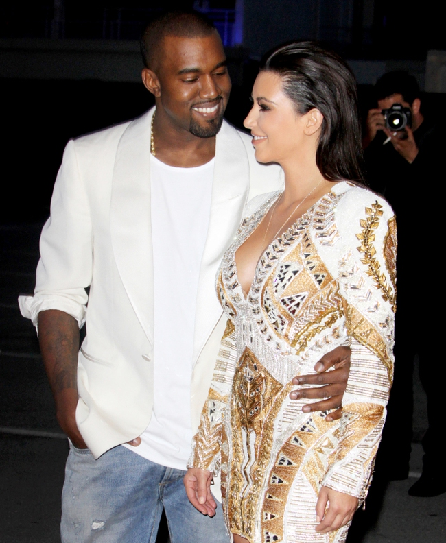 Trước khi khóc lóc tố nhau trên truyền thông, Kanye West và Kim Kardashian từng có 8 năm mặn nồng còn quan hệ 500 lần/một ngày chỉ mong có con - Ảnh 15.