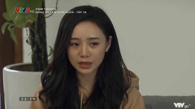 """""""Đừng bắt em phải quên"""": Bật khóc cảnh Ngọc oán trách bố Luân chuyện phản bội mẹ để lên giường với Linh """"tiểu tam"""" - Ảnh 7."""