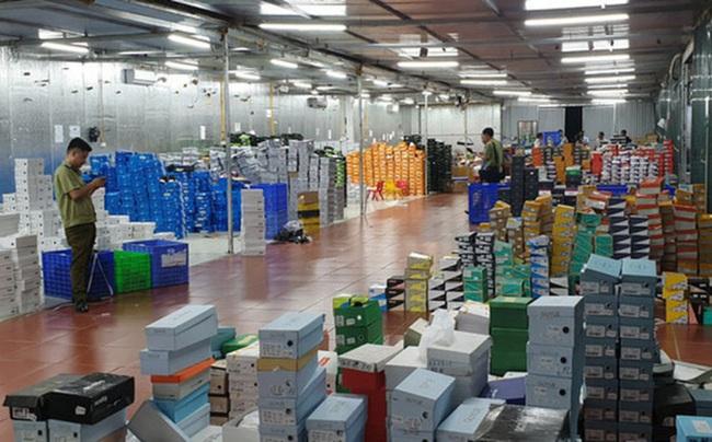 """Choáng với doanh thu gần """"nghìn tỷ"""" thu được sau 2 năm livestream bán hàng của kho hàng lậu 10.000 mét vuông ở Lào Cai - Ảnh 2."""