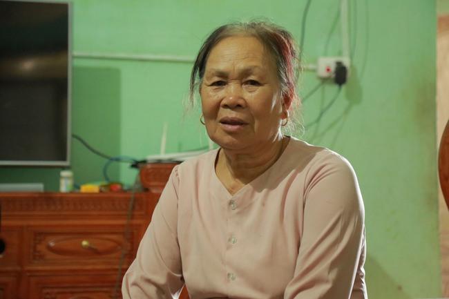 Hà Nội: Mẹ già còng lưng mang đơn kiện con trai vì bị ngược đãi - Ảnh 3.