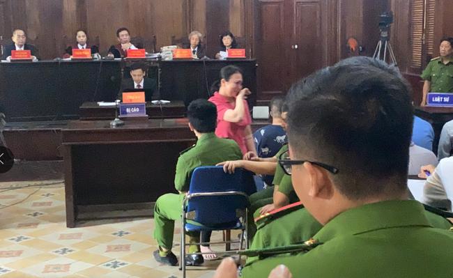 """Văn Kính Dương xin lỗi người tình và con trai, hot girl Ngọc Miu khóc nói lời sau cùng: """"Trẻ con không có tội"""" - Ảnh 5."""