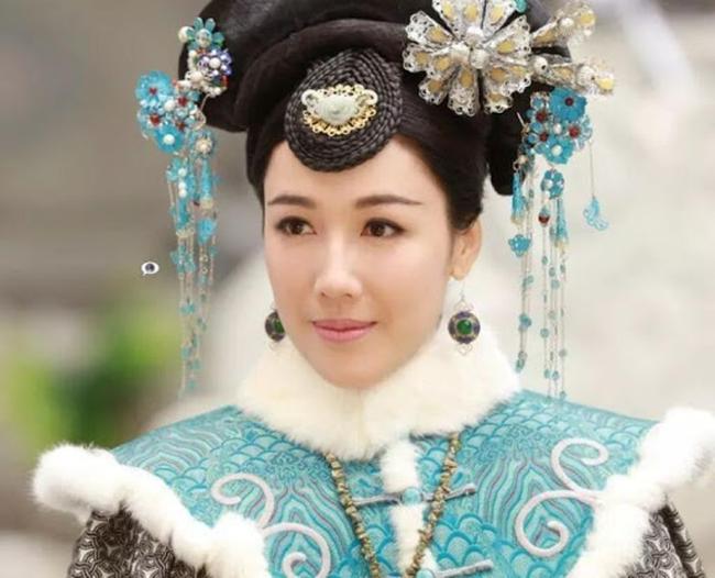 Hoàng hậu Trung Hoa có những khiếm khuyết trên thân thể nhưng vẫn khiến Hoàng đế yêu thương, tất cả có được vì những điều xuất chúng - Ảnh 3.