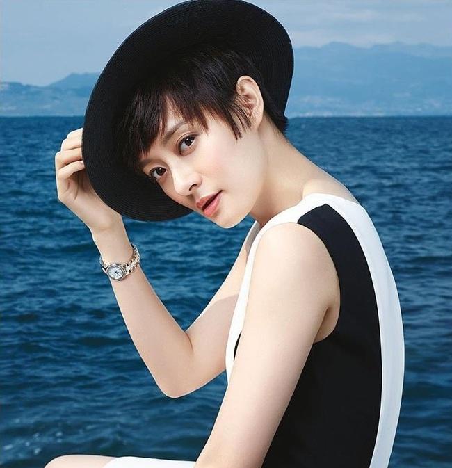 """Những ngôi sao """"siêu tiết kiệm"""" của showbiz Hoa ngữ: Triệu Lệ Dĩnh mua đồ giảm giá, Ngô Kỳ Long mặc một chiếc áo suốt 20 năm - Ảnh 7."""