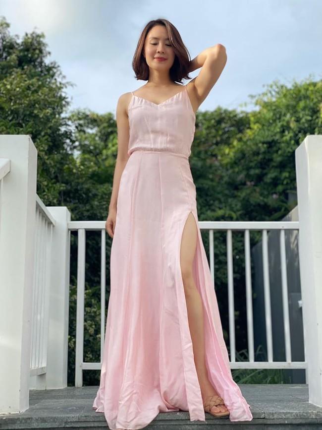 Hồng Diễm khoe mặc vừa váy từ 11 năm trước: Em chỉ muốn nói là sau 11 năm em vẫn mặc vừa và em rất chung thuỷ.