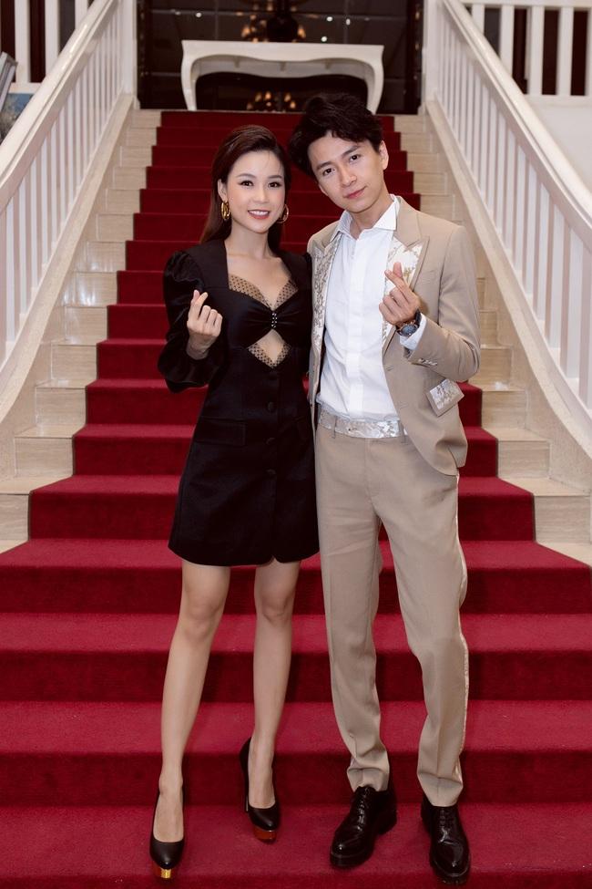 Sam tự lái xe tiền tỷ đến sự kiện gặp Ngô Kiến Huy, khẳng định là bạn thân suốt 11 năm  - Ảnh 5.
