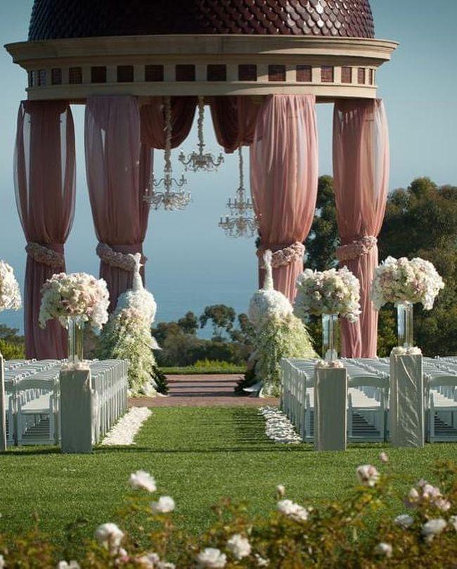 Nữ tỷ phú người Việt Mimi Morris gây choáng với không gian kỷ niệm ngày cưới như cổ tích - Ảnh 1.