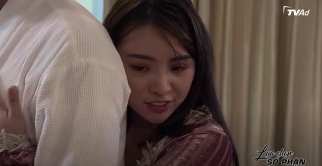 """""""Lựa chọn số phận"""": Vừa lên giường xong tiểu tam mặt xinh ngực khủng đã đòi tình phí cả căn nhà - Ảnh 3."""