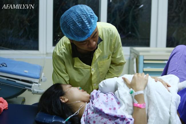 Phòng sinh thân thiện ở Bệnh viện Sản nhi Quảng Ninh: Sản phụ nào cũng được có người nhà đi kèm động viên lúc vượt cạn mà không mất thêm chi phí - Ảnh 4.
