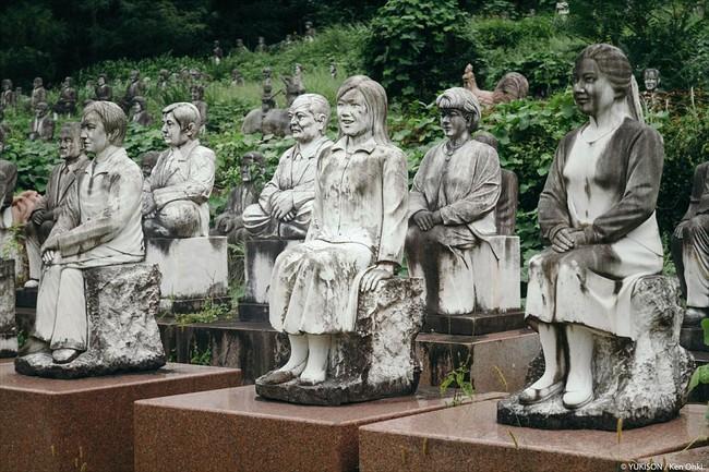 Vị doanh nhân chi gần 2.000 tỷ đồng mở công viên ngàn tượng nhưng chẳng ai dám bén mảng đến vì nỗi ám ảnh những bức tượng biết đi - Ảnh 6.