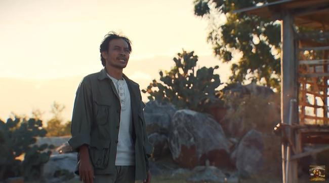 """""""Cát Đỏ"""" hé lộ tập 2: Thúy Diễm cãi tay đôi với trai làng, quyết bảo vệ hạnh phúc của chị gái tới cùng - Ảnh 1."""