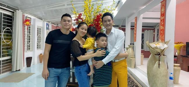 Đoàn tụ mẹ sau 5 năm xa cách, con trai Lê Phương hiện có cuộc sống như thế nào? - Ảnh 2.