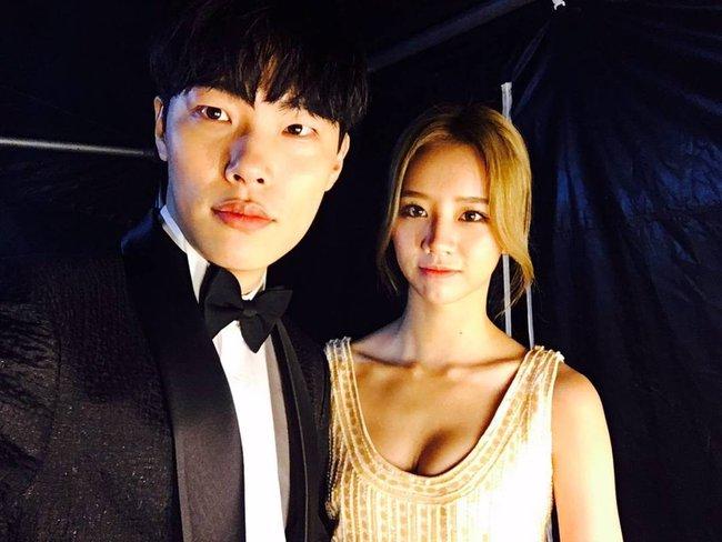 """8 cặp sao """"phim giả tình thật"""" được ngưỡng mộ nhất showbiz Hoa – Hàn - Ảnh 6."""