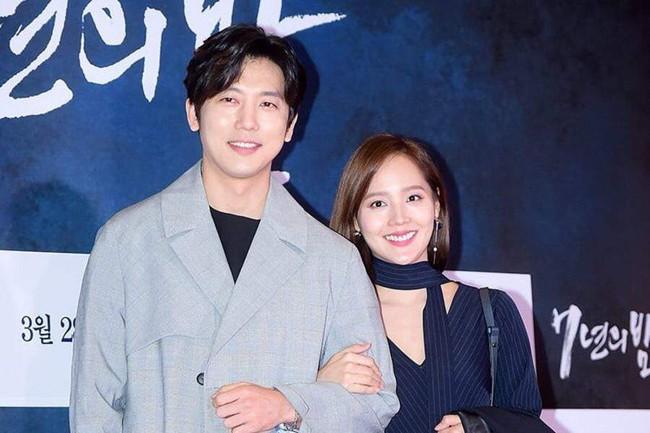 """8 cặp sao """"phim giả tình thật"""" được ngưỡng mộ nhất showbiz Hoa – Hàn - Ảnh 8."""