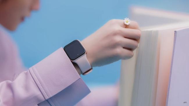 Bóc đồ Sơn Tùng trong MV mới: Diện nguyên BST Xuân-Hè của Louis Vuitton, lái xe cổ đến xe điện, tưởng đeo Apple Watch nhưng hóa ra không phải! - Ảnh 20.