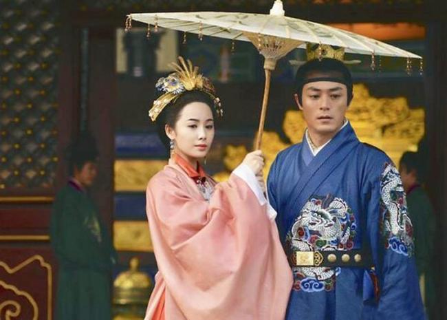 """Vị Hoàng đế Trung Hoa có cuộc sống hôn nhân cực """"lạ"""": Suốt đời một vợ một chồng bởi lý do đằng sau u ám đến cực điểm - Ảnh 4."""