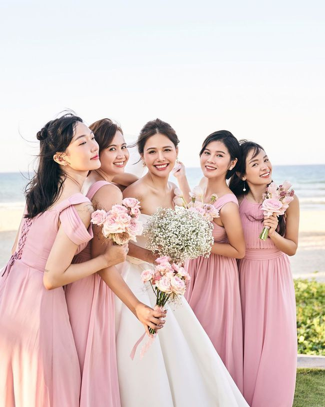"""Phanh Lee tung thêm ảnh trong đám cưới với thiếu gia Cocobay, vòng 1 """"cực căng"""" của cô dâu gây chú ý nhất - Ảnh 5."""
