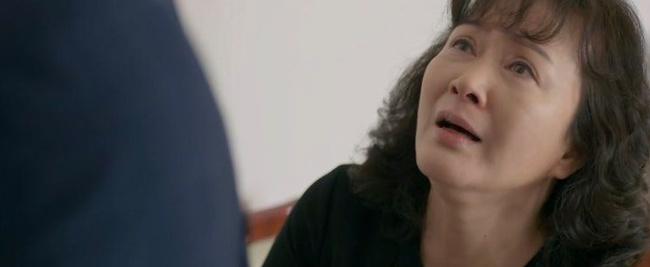 Tình yêu và tham vọng: Minh bị đuổi khỏi ghế tổng giám đốc, bà Khuê quỳ xuống xin con trai cưới Tuệ Lâm một lần nữa - Ảnh 5.