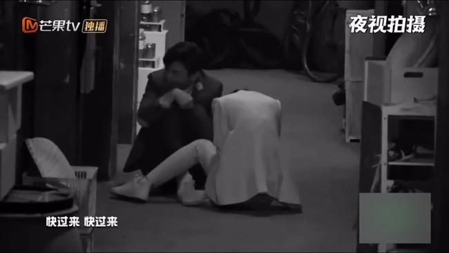 Bị hù dọa mà Dương Mịch sống chết ngồi 1 chỗ, Đặng Luân kéo lê cô cả mét khiến netizen dậy sóng - Ảnh 5.