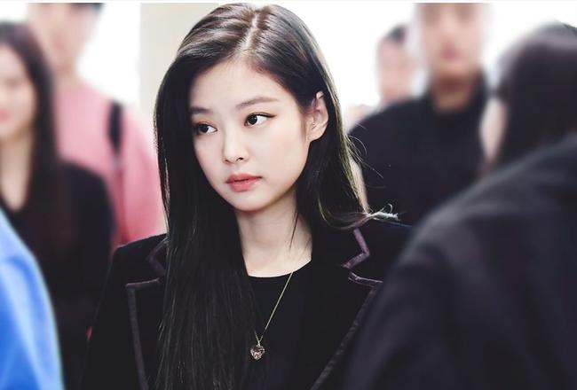 Jennie (BLACKPINK) bất ngờ bị bạn học cùng khóa tố bạo lực học đường? - Ảnh 2.