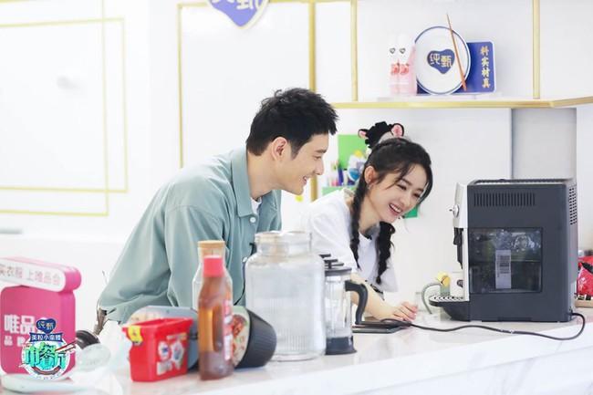 """""""Nhà hàng Trung Hoa 4"""": Loạt ảnh góc nghiêng tuyệt đẹp của Triệu Lệ Dĩnh, khóc trên truyền hình mà không cho ai biết  - Ảnh 3."""